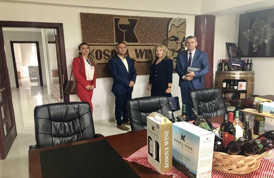 Zyrtarët nga Ministria e Diasporës vizitojnë bizneset e diasporës në Kosovë