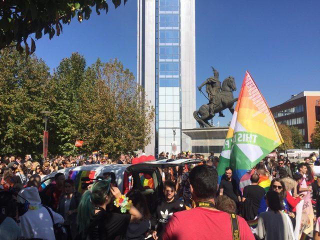 Kodi i ri Civil i hap rrugë martesave mes gjinisë së njëjtë në Kosovë