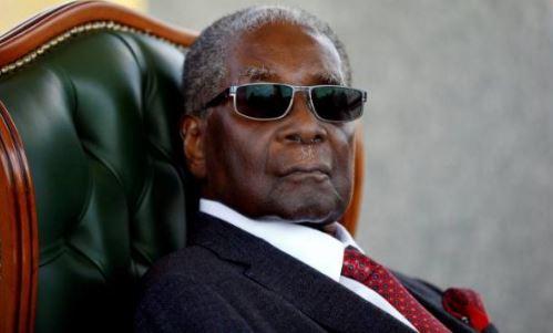 """Varroset presidenti që kishte thënë """"Vetëm Zoti mund të më largojë nga pushteti"""""""