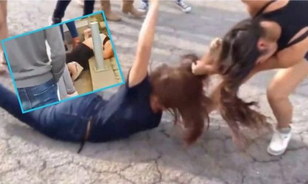 Përleshje mes femrave, njëra nga to e rrah edhe policen