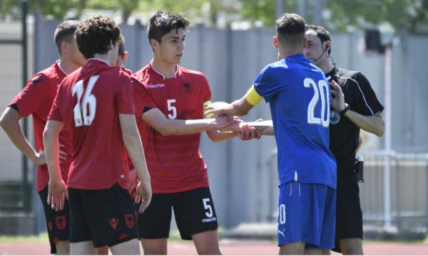 UEFA ia beson Shqipërisë organizimin e programit për futbollistët U-15