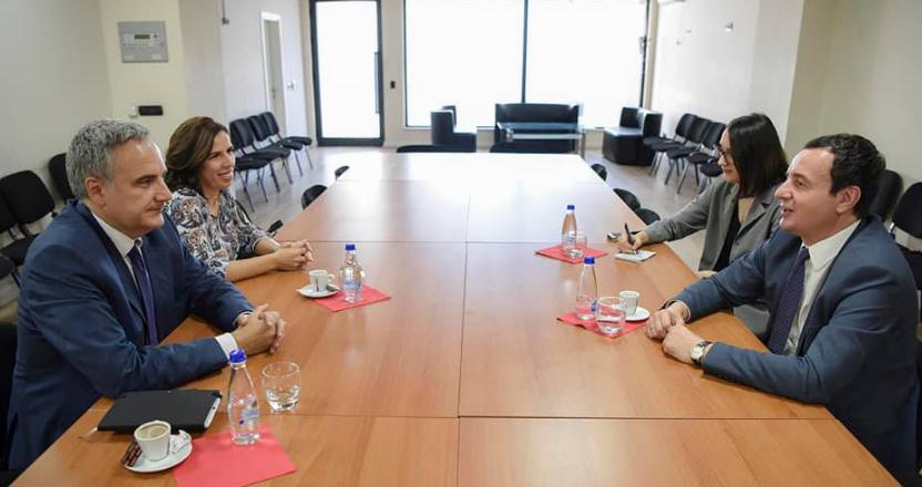 Kurti, ambasadorit Italian: Prioritet i qeverisë së re do të jetë zvogëlimi i pushtetit për forcim të shtetit