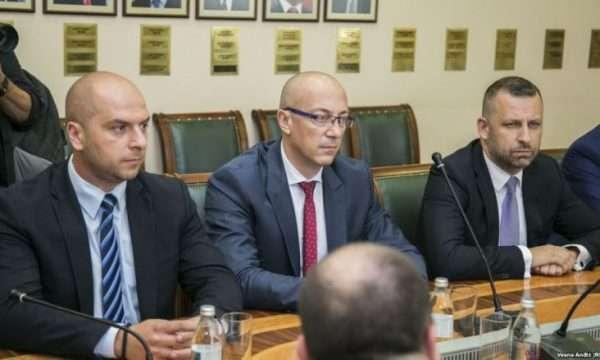 Helmimi nga zarfet që erdhën nga Serbia, ky është reagimi i Listës Srpska