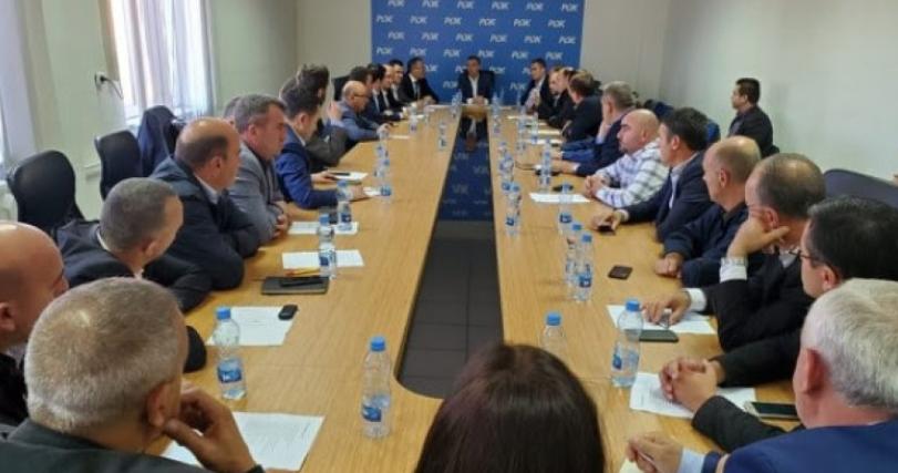PDK-ja nis punën si opozitë, Veseli takon kryetarët e degëve