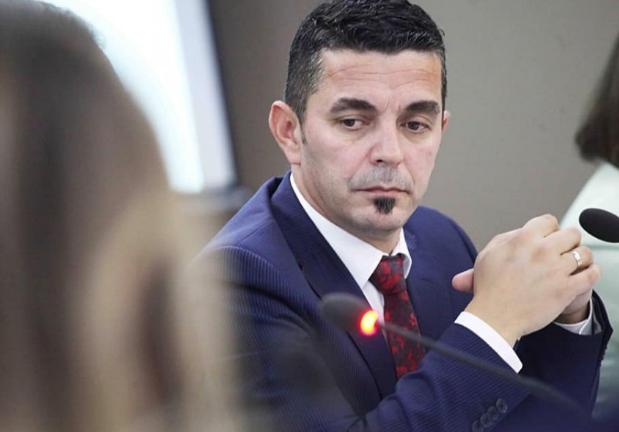 Drejtori i RTKLive thotë se qytetarët dje vendosën për Rusinë