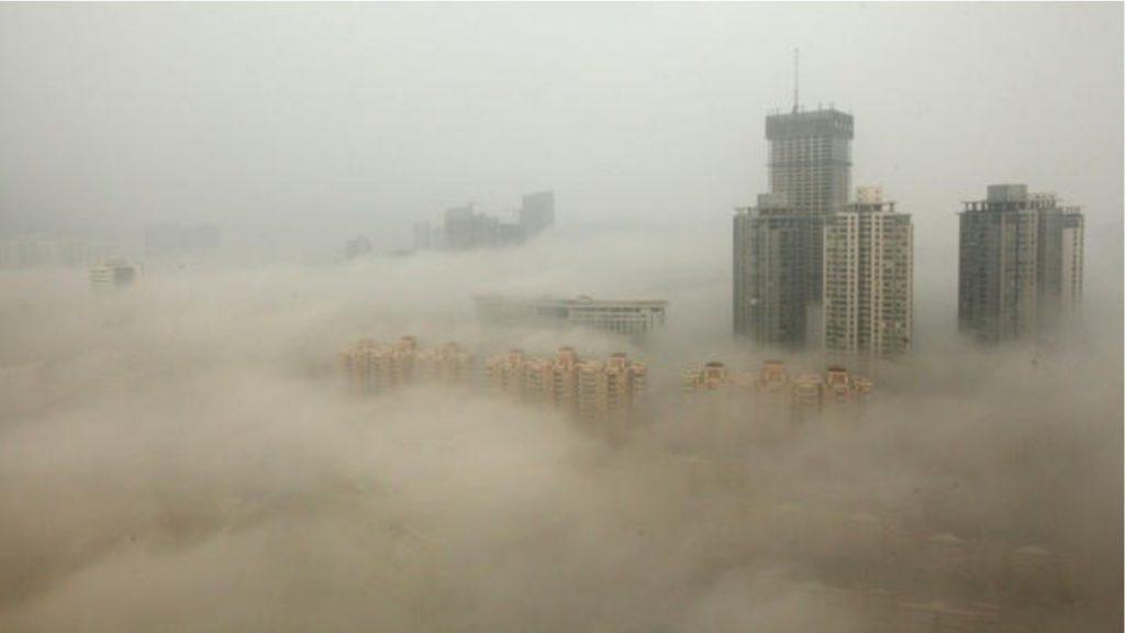 Ndotja alarmante, qytetarët në radhë për të blerë ajër të pastër