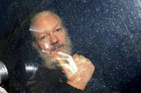 Suedia tërheq akuzat ndaj Julian Assange për dhunim seksual