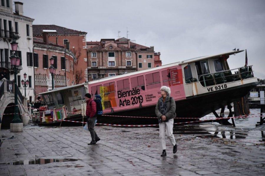 Mbyllet Bienalja e Venecias
