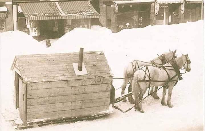 Si ishin dimrat dhe si dërgoheshin fëmijët shqiptar në shkollë në vitin 1930 gjatë dimrit