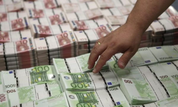 Taksa e Kosovës ia humbi Serbisë rreth 400 milionë euro