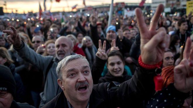 Protesta masive në Çeki, kërkohet dorëheqja e kryeministrit