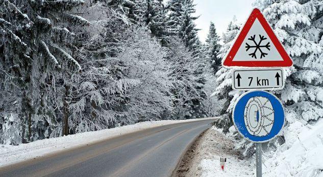 Nga sot shoferët që vozisin automjetet pa pajisje dimërore, dënohet me gjobë prej 40 eurosh