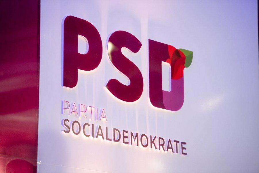 Qeveria mbylli çerdhet, PSD-ja u dërgon cuculla para derës