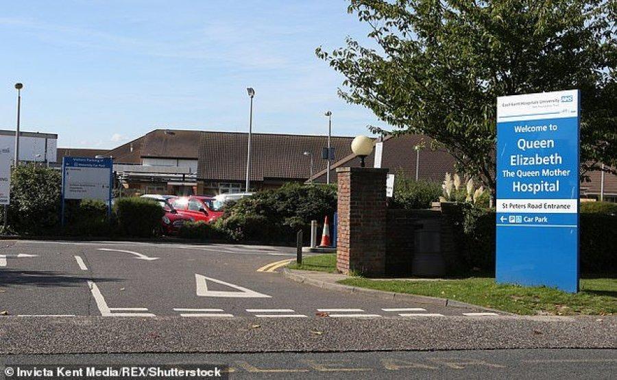 Për shkak se mjekët nuk rregullonin oraret e tyre, 7 bebe kanë humbur jetën në spitalin anglez