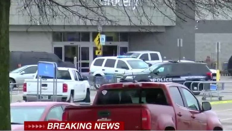 SHBA, të shtëna në një supermarket në Arkansas  – dy policë të plagosur, vritet sulmuesi