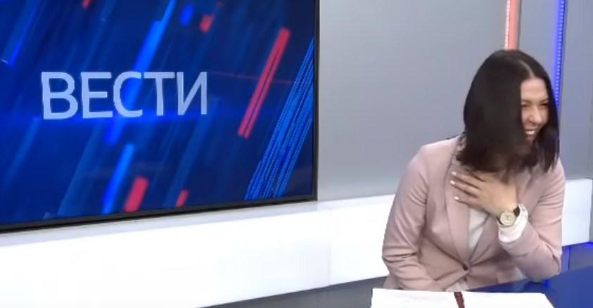 Gazetarja 'lë nam' qesh me lot teksa njoftonte rritjen e pensioneve