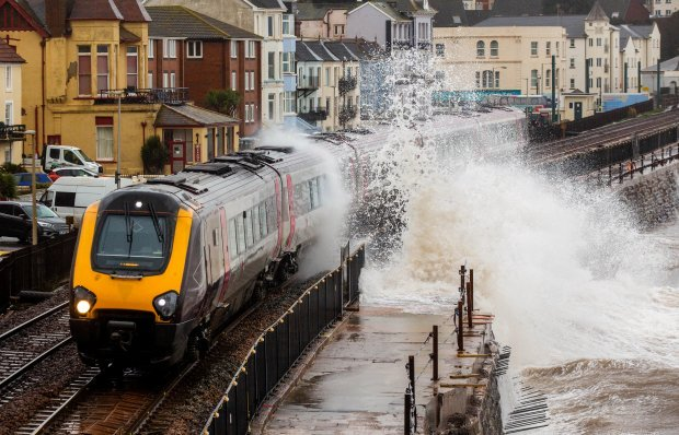 Stuhia vrasëse: Dy të vdekur në Britani, nga cikloni bombë me emrin Denis