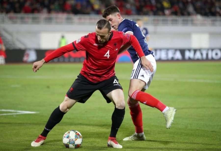 Futbollisti i Kombëtarës së Shqipërisë, Albin Kurtit: Hallall çdo votë