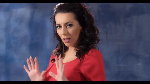 Leonora: Nuk i thuhet burg karantinës, me telefona brenda e jasht