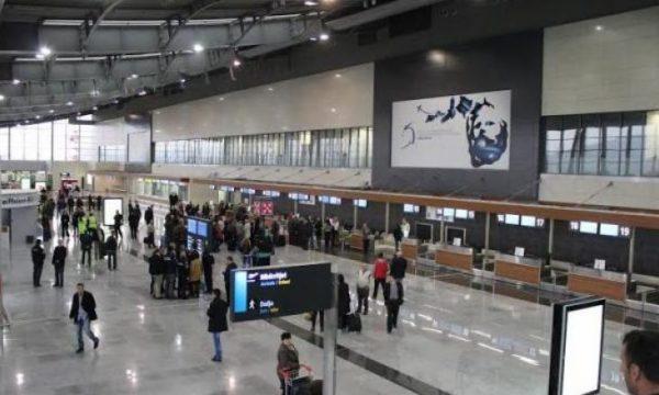 Bashkatdhetarë të shumtë në Aeroportin 'Adem Jashari'