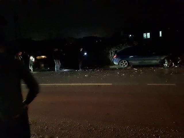 Aksident trafiku në magjistralen Prishtinë-Mitrovicë, lëndohet drejtuesi i automjetit