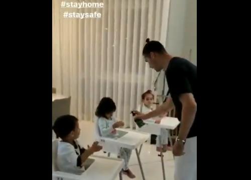 Ronaldo i mëson fëmijët si t'i pastojnë duart, për ta luftuar koronavirusin