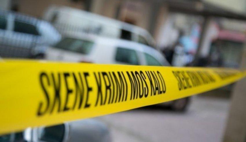 E tmerrshme: Gjyshi qëllon me pistoletë në kokë nipin 7 vjeçar
