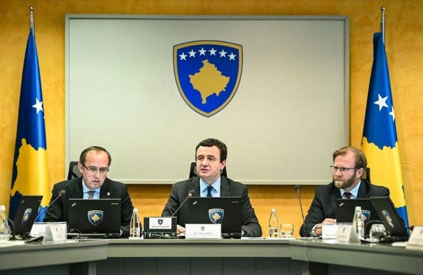 Hoti: Abazi ofendon me direktiva të Albin Kurtit