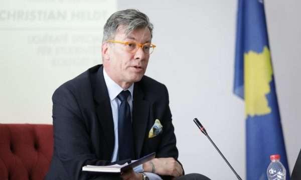 Ambasadori i Gjermanisë përshëndet heqjen e taksës, nuk përmend reciprocitetin