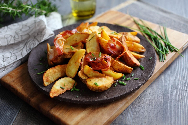 Patate të reja nga furra të shishme dhe të shëndetshme