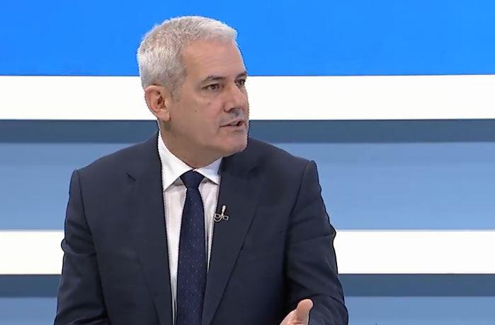 Sveçla publikon vendimet e Qeverisë për t'i futur në karantinë dy komunat veriore
