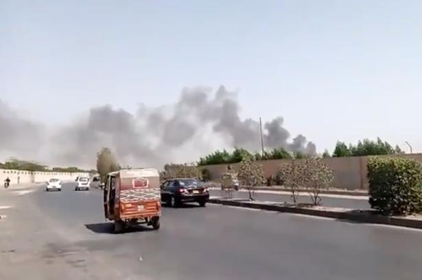 Rrëzohet aeroplani me 107 pasagjerë në bord në Pakistan