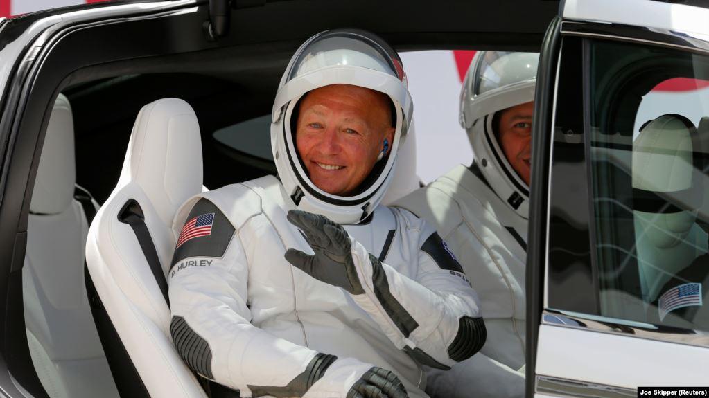 SpaceX bën historinë, nis dy astronautë të NASA-s në Hapësirë