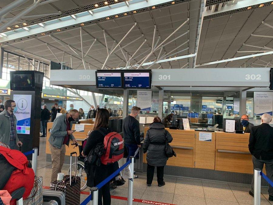 Ja kur pritet të hapen aeroportet në të gjithë botën