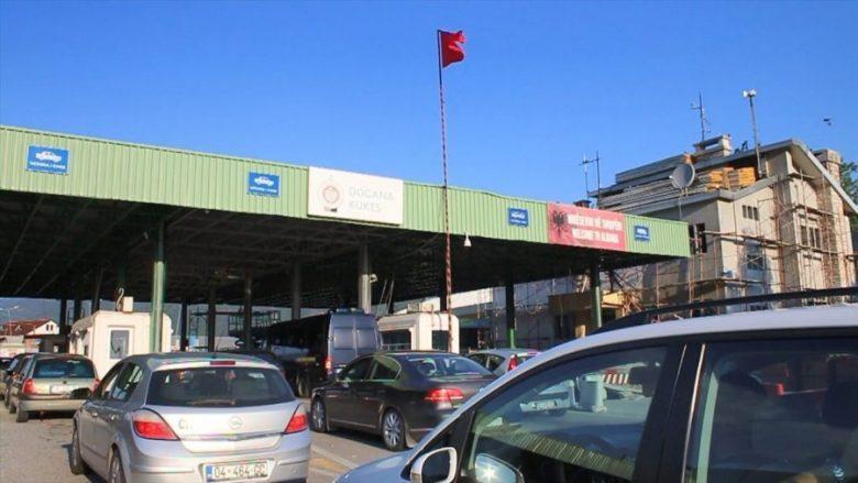 Mbi 16 mijë persona e kanë kaluar kufirin për Shqipëri vetëm gjatë ditës së shtunë