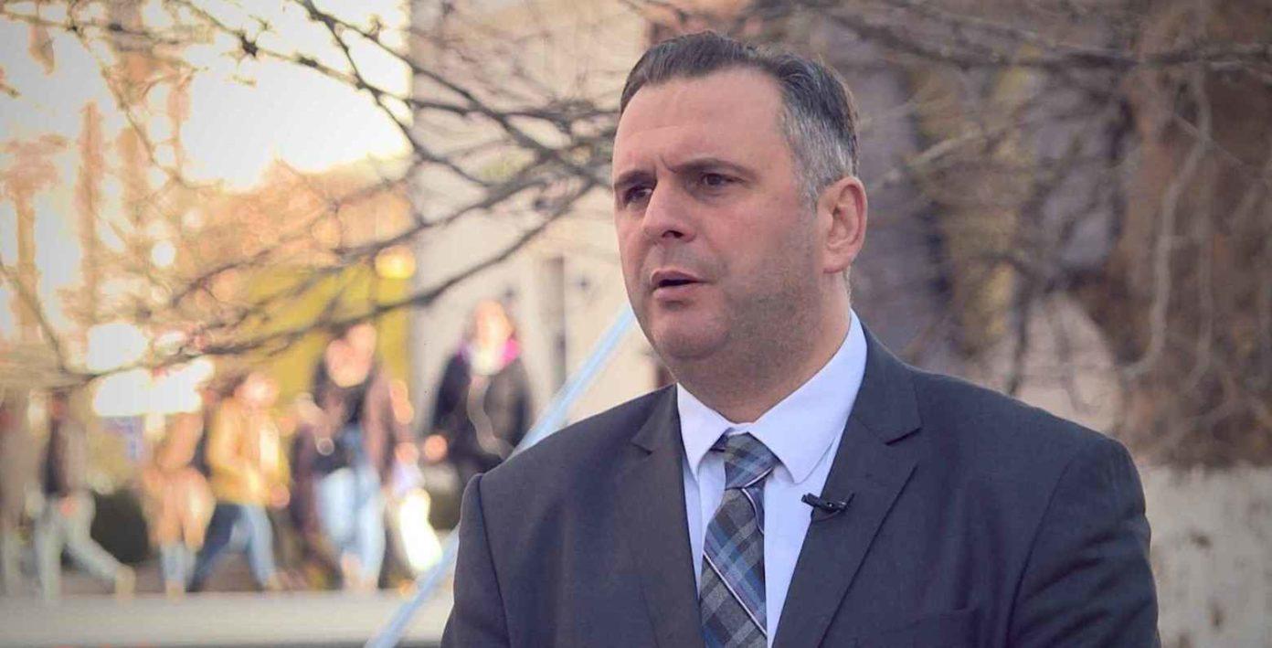 Digjet vetura e deputetit të Vetëvendosjes, Mefail Bajqinovci
