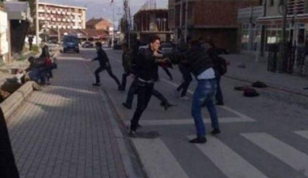 Dy vëllezër ia thyejnë hundën një pjesëtari të FSK-së në Fushë-Kosovë