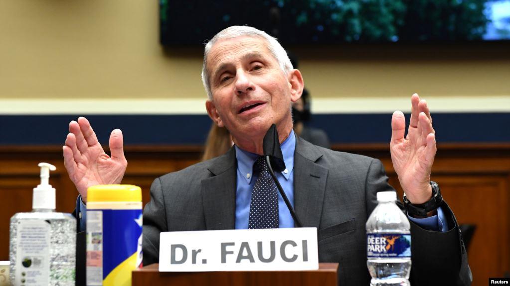 Fauci: SHBA-ja mund të përballet me 100 mijë raste në ditë me COVID-19