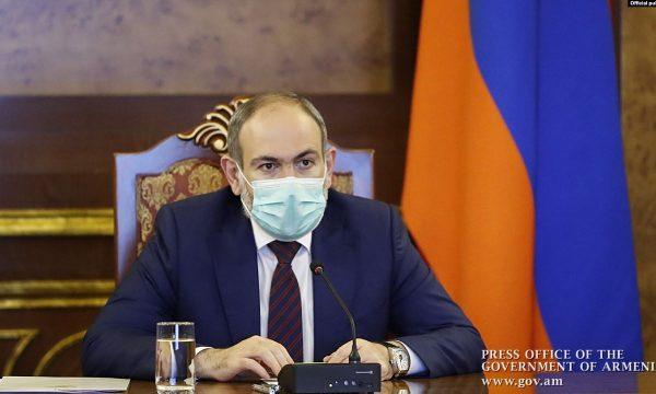 Kryeministri armen infektohet me koronavirus
