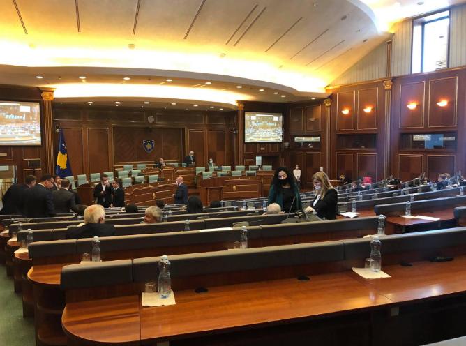 Gjashtë deputetë të koalicionit LAN nuk votuan pro Hotit