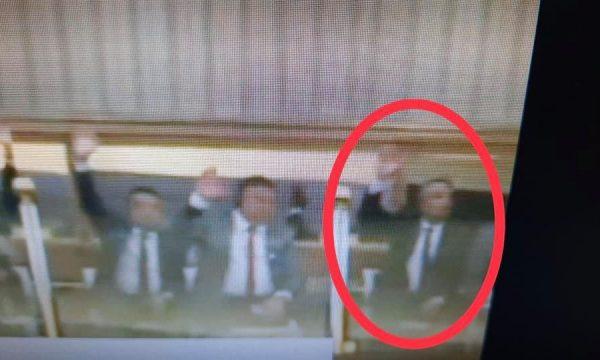 Kurteshi: Deputeti me mandat të humbur votoi qeverinë Hoti, kjo është kundërkushtetuese