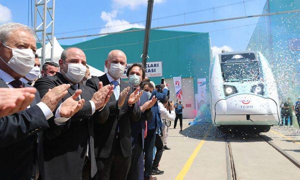 Turqia prodhon trenin elektrik, nisin testimet e para