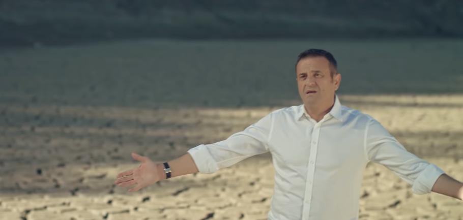 Sinan Vllasaliu këtë mbrëmje mban koncert në Klan Kosova