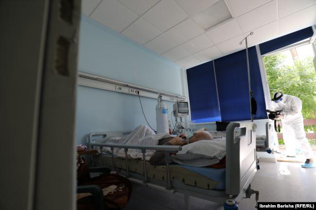 Të shtrirë në spitale janë 304 pacientë me COVID-19