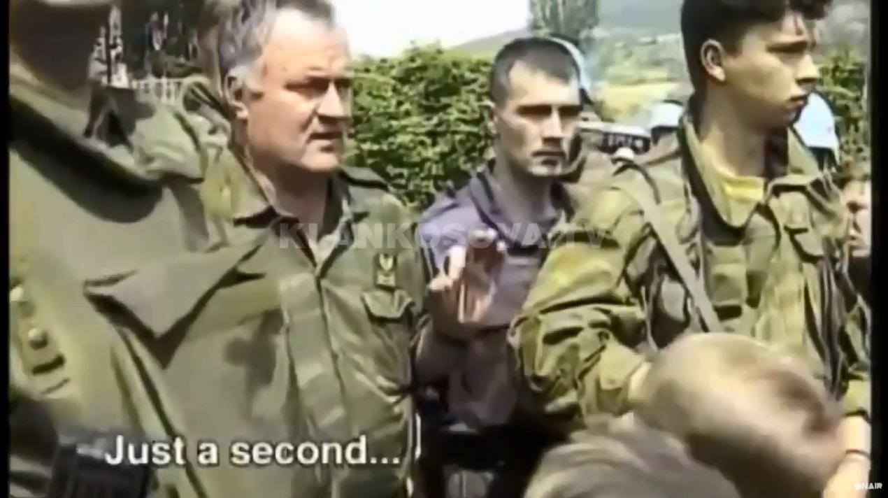 Si i gënjeu Mladiq civilët para se t'i vriste?