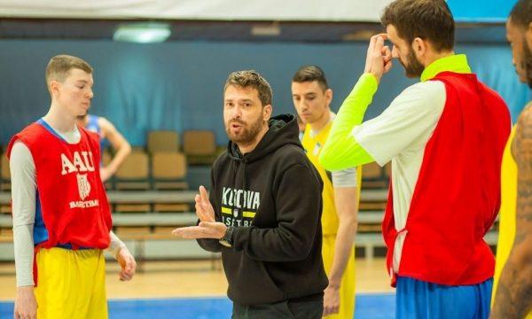 Trajneri i Kosovës: Duam ta bëjmë çdo kosovar në botë krenar me Kombëtaren