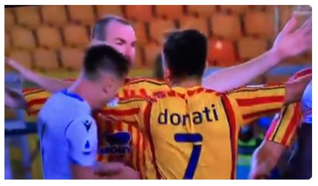 """Ylli i Lazios """"kopjon"""" Suarezin, e kafshon lojtarin e Lecces"""
