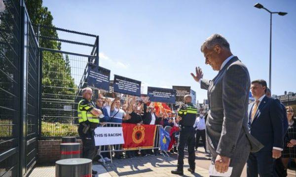 Presidenti Thaçi arrin në Prokurorinë Speciale, nuk deklarohet para intervistës