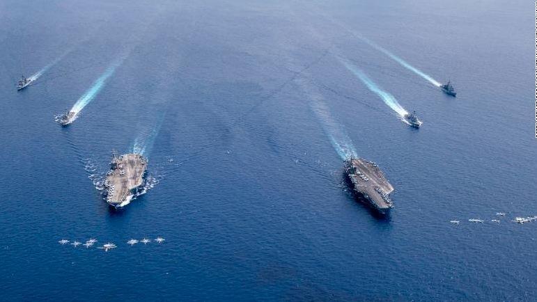 Rriten tensionet me shfaqje force të SHBA-së në Detin e Kinës Jugore