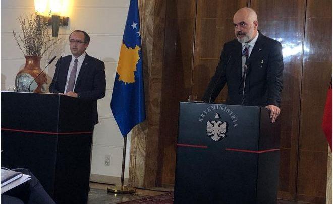 Rama i thotë Hotit se edhe Kosova duhet të jetë pjesë e Shengenit Ballkanik